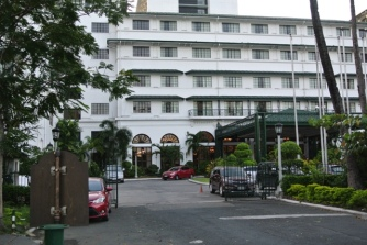 Manila Hotel Facade (1)